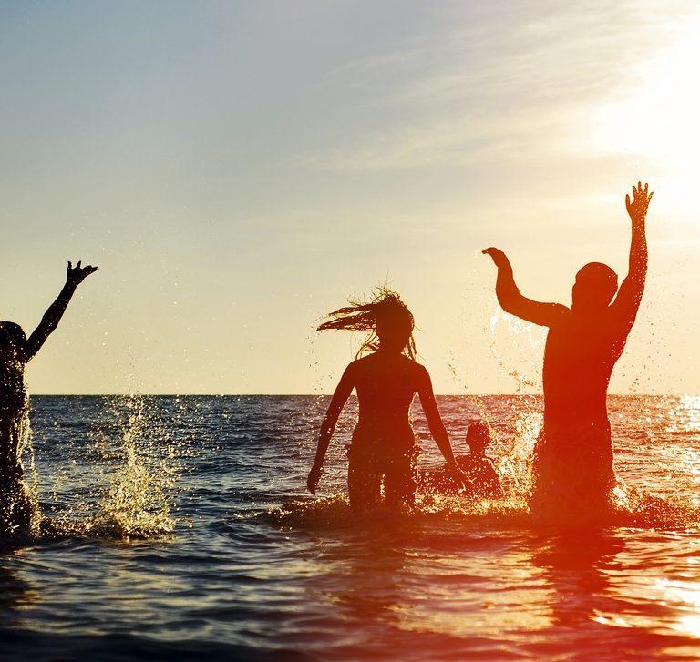 ¿Por qué estamos felices en verano?