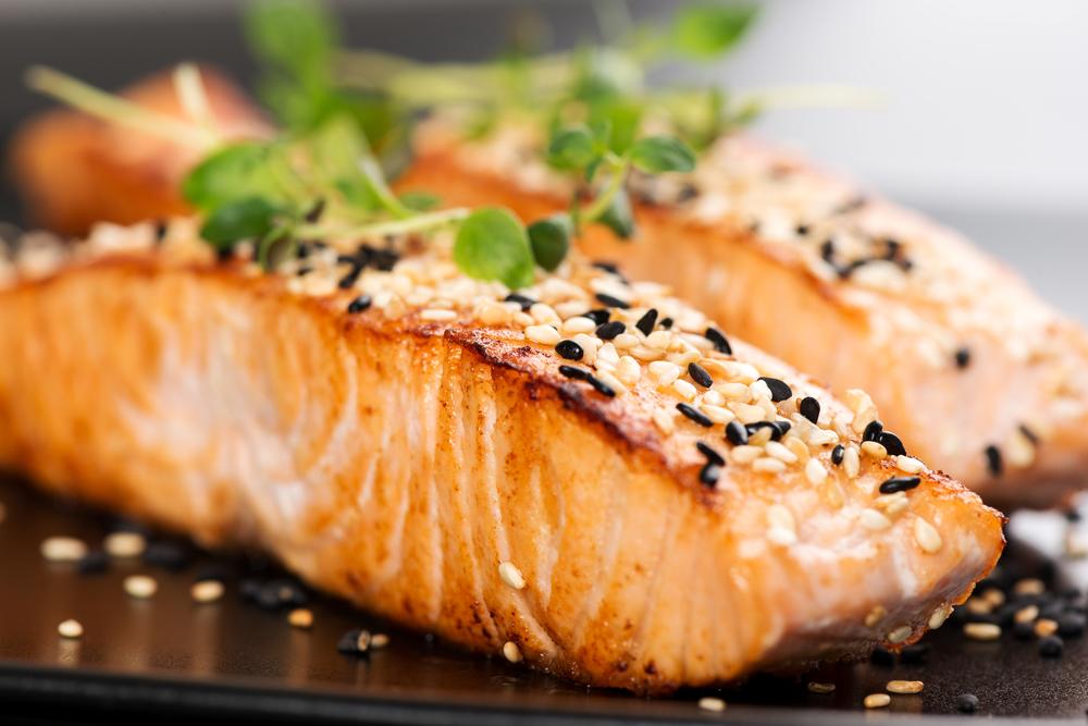 Alimentos ricos en triptófano: ¡el salmón!